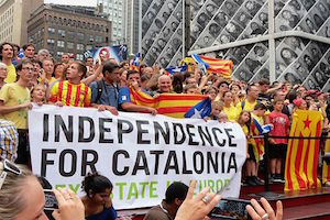 Holding_Hands_for_Catalan_Independence_NYC_2.jpg